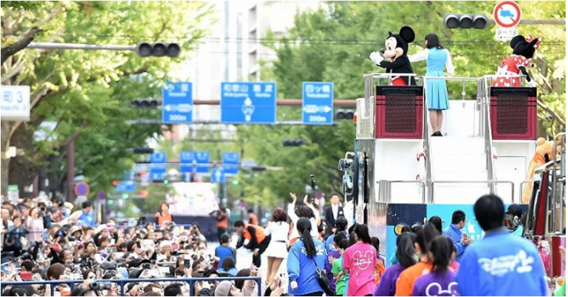 [IN PHOTOS] Mickey Mouse and Pikachu Headline Autumn Parade in Osaka