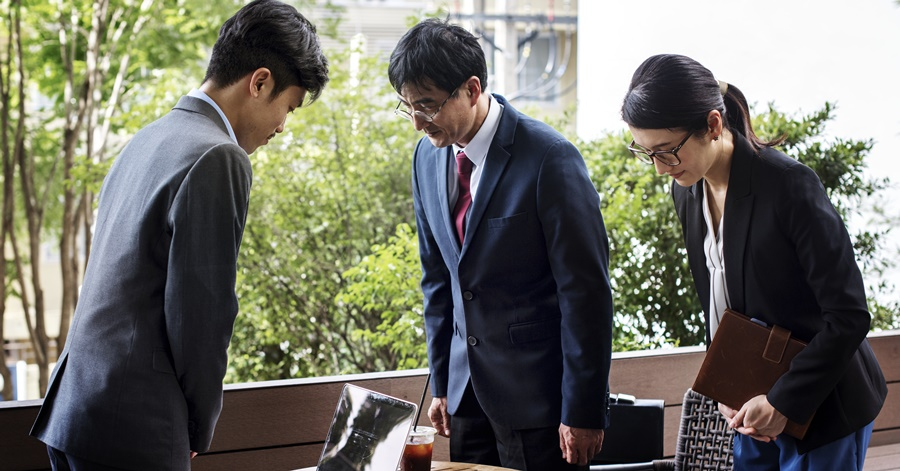 A Guide on What You Should Know About Japanese Business Etiquette